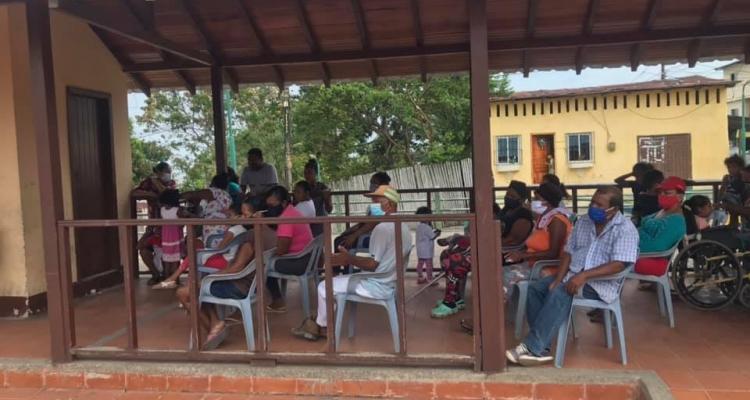 BRIGADA MEDICA CON LA COLABORACION DEL VOLUNTARIADO DEL ECUADOR